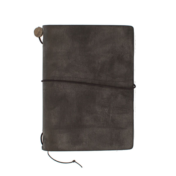 Traveler's Notebook Black (Passport)