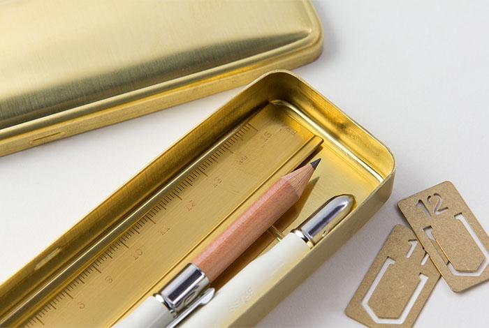 Midori Brass estuche de latón (uso)